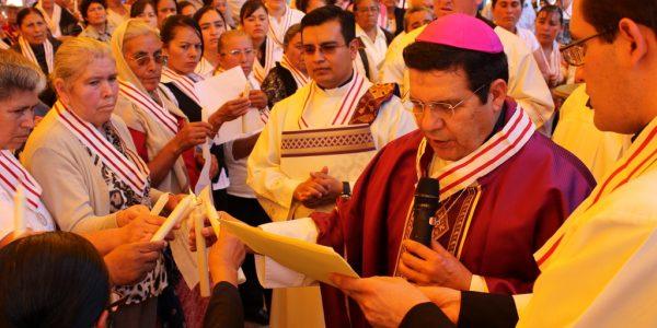 Mil cuatrocientos miembros adoradores de la Cofradía del Santísimo Sacramento